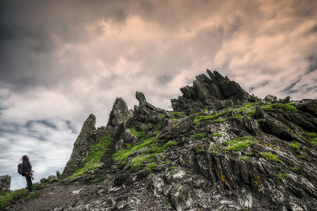 The Skellig Islands (Image @storytravelers)